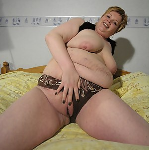 Free Fat Moms Pussy Porn Pictures