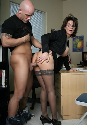 Free Moms Standing Sex Porn Pictures